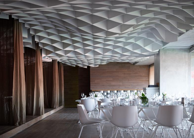 V'ammos Restaurant by LM Architects