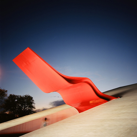 Key projects by Oscar Niemeyer in Brazil photographed by Pedro Kok