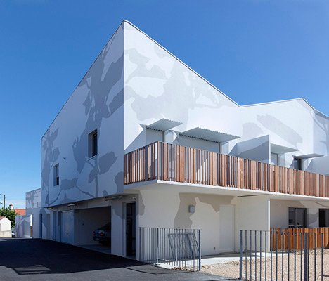 Mervau housing by Tetrarc