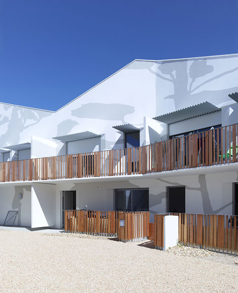 Mervau housing by Tetrarc