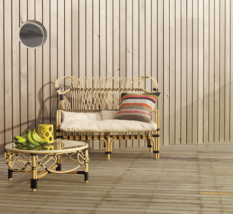 Lyra rattan sofa and table