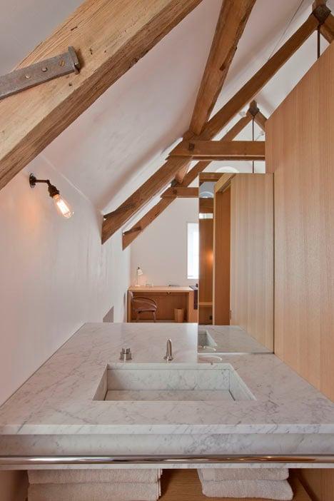 The Boathouse by Alex Cochrane Architects