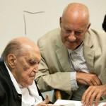"Norman Foster pays tribute to ""hero"" Oscar Niemeyer"