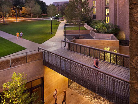 Morse and Ezra Stiles Colleges by Kieran Timberlake