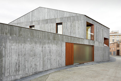 Casa MP in Sesma by Alcolea+Tárrago Arquitectos