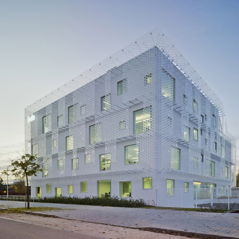 Confederation of Employers of Albacete headquarters by Cor & Asociados
