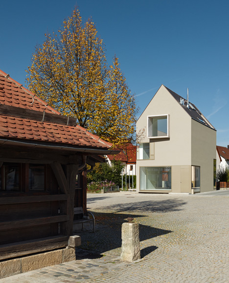 Haus E17 in Metzingen by (se)arch Architekten