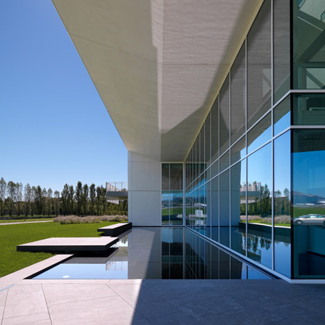 Italcementi i.lab by Richard Meier & Partners