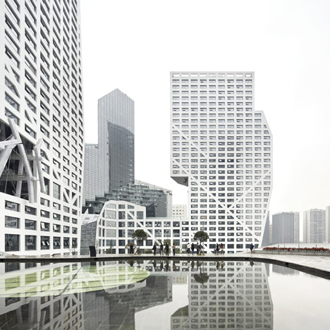 Movie: Sliced Porosity Block by Steven Holl Architects