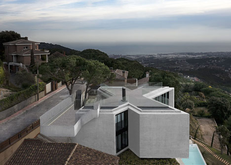 X House by Cadaval & Solà-Morales