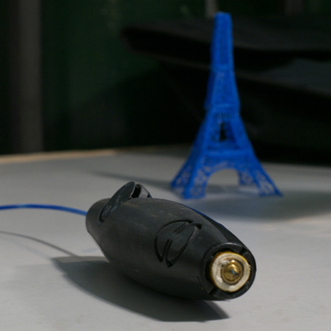 Pen that doodles 3D objects attracts $500,000 on Kickstarter