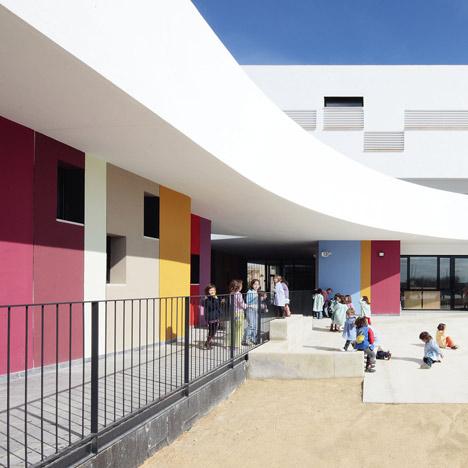 Binissalem School Complex by RipollTizon