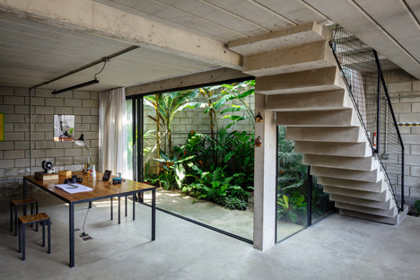 Maracanã House by Terra e Tuma