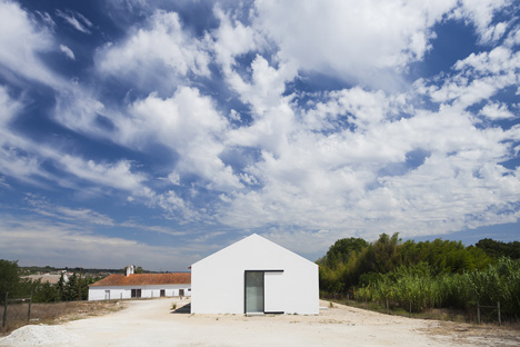 Sítio da Lezíria by Atelier Data