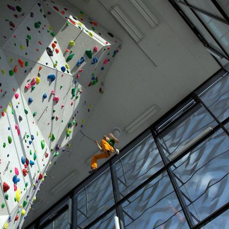 Vertikale Kletterhalle Brixen by Lanz + Mutschlechner and Wolfgang Meraner