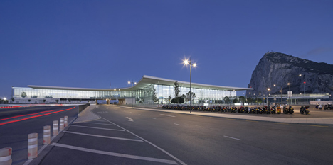 Gibraltor Airport by Bblur Architecture and 3DReid