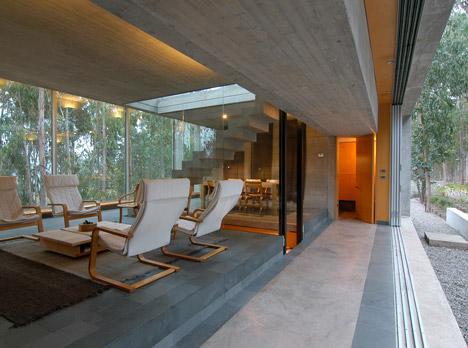 Omnibus House by Gubbins Arquitectos