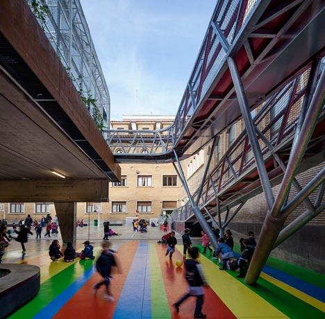 Elevated Sports Court by Guzmán de Yarza Blache