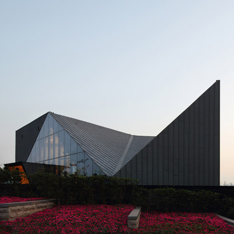 dezeen_Chongqing Greenland Clubhouse by PURE Design_1sq
