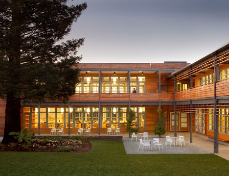 Marin Country Day School Learning Resource Center and Courtyard by EHDD