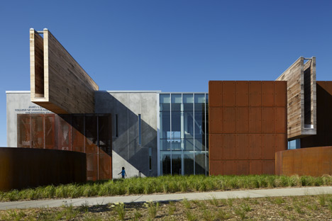 Swenson Civil Engineering Building by Ross Barney Architects with SJA Architects