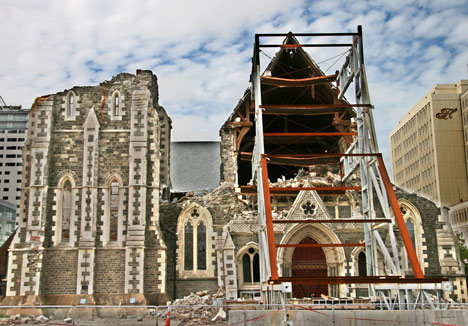 Critics back restoration of earthquake hit Christchurch Cathedral, photo by Searlo