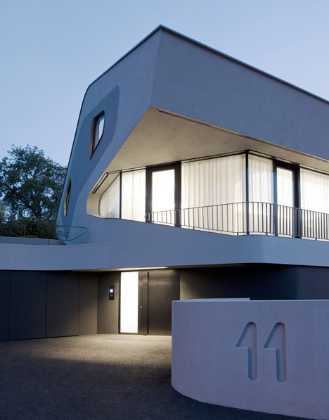 OLS House by J. Mayer H.