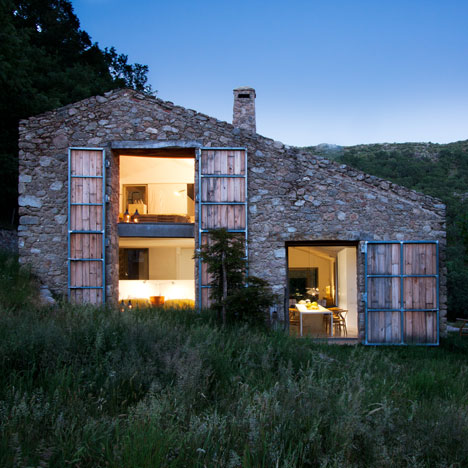 Off Grid Home in Extremadura<br /> by Ábaton