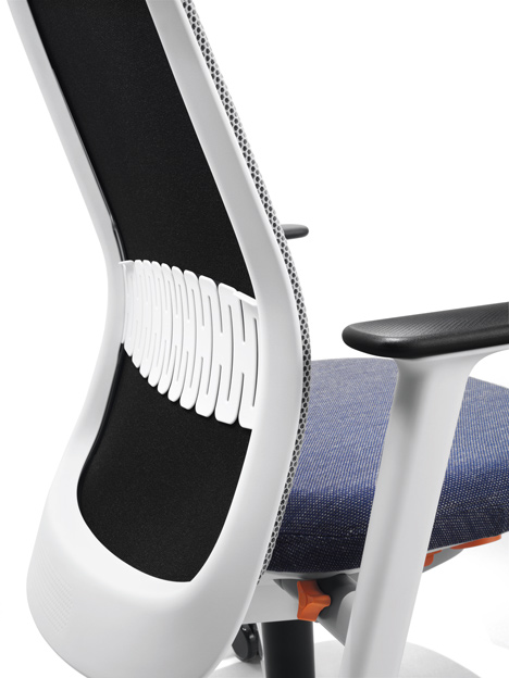 Riya office chair by PearsonLloyd for Bene