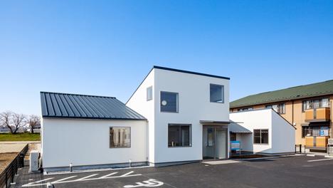 Y Clinic by Kimitaka Aoki