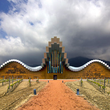 Ysios winery, photo by Wojtek Gurak