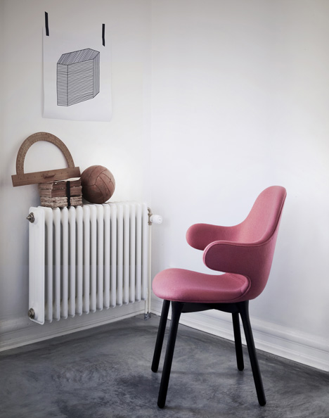 Catch Chair by Jaime Hayón for &tradition