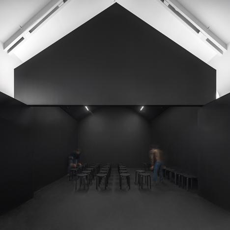 Centro Interpretação do Românico Paredes by spaceworkers
