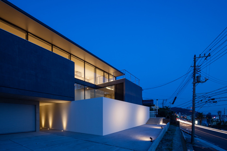Seascape House by Tomoyuki Sakakida Architect and Associates