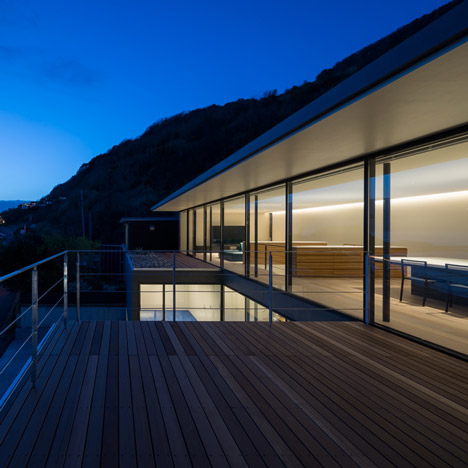 Dezeen_Seascape House by Tomoyuki Sakakida Architect and Associates_4sqa