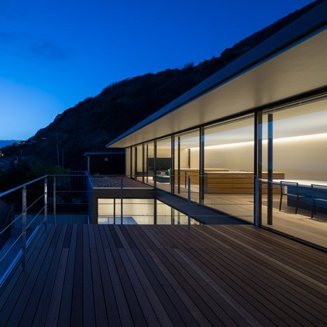 Seascape House by Tomoyuki Sakakida Architect and Associates