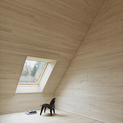 dezeen_Haus am Moor by Bernardo Bader Architects_1sq