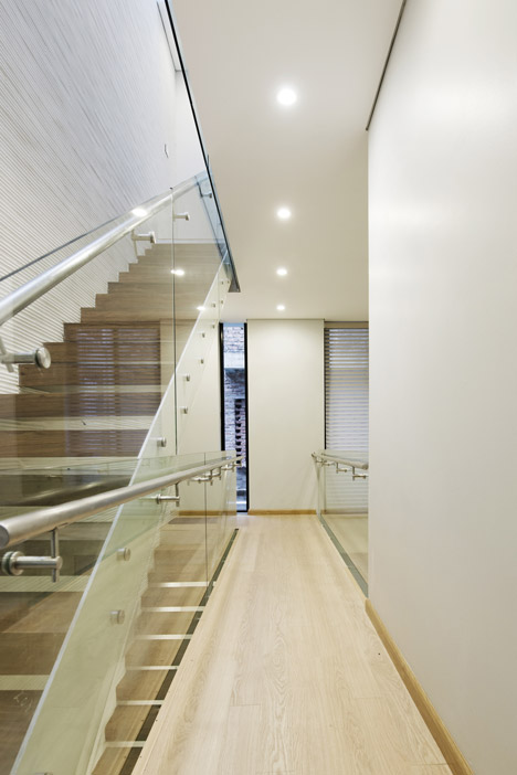 4.5x20 House by AHL Architects Associates