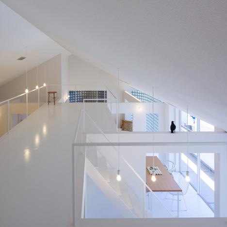 dezeen_House in Takamatsu by Yasunari Tsukada_1sq