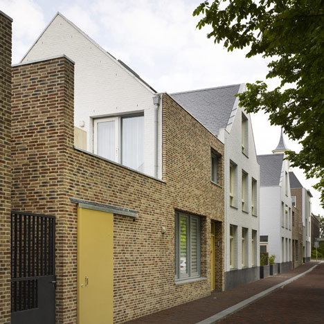 dezeen_Houses in Molenplein by Tony Fretton Architects_1sq