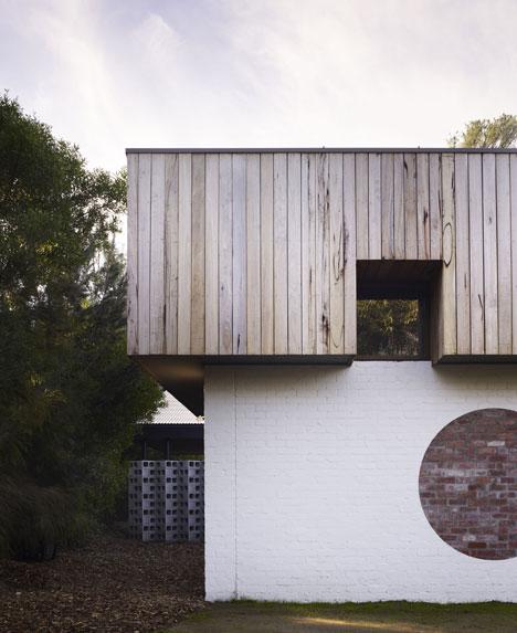 Merricks Beach House by Kennedy Nolan Architects