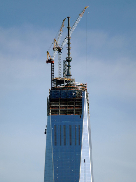 One World Trade Center tops out, photo by alecperkins