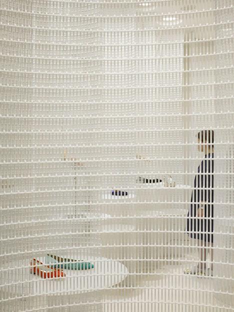 dezeen_Lucca-llena-store-by-Ryutaro-Matsuura_1