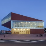 Montauban multimedia library by Colboc Franzen & Associés