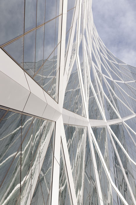 Dezeen_The Bow by Foster + Partners_6