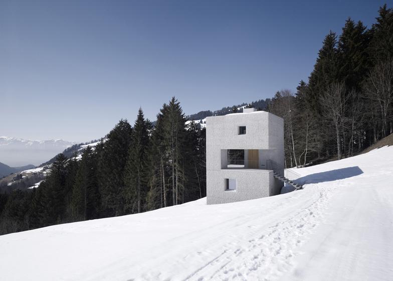 A Minimalist Mountain Cabin Makes For A Cosy Alpine