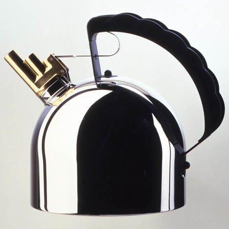 dezeen_Richard Sapper_9091 kettle