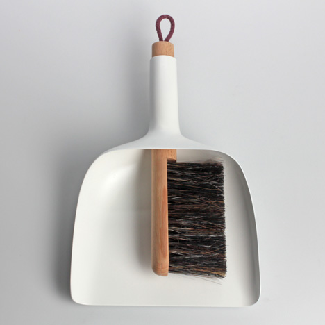 Sweeper and dustpan by Jan Kochański