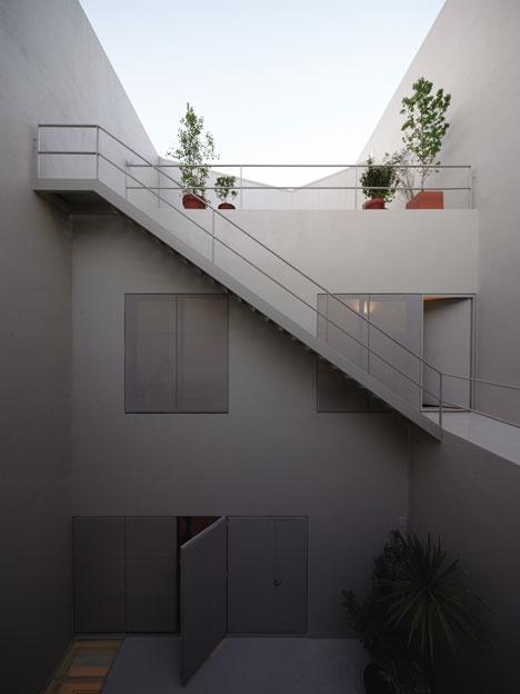 Venturini House by Adamo-Faiden