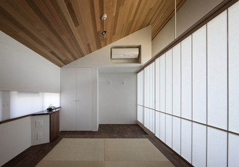 Lifted-garden House by acaa